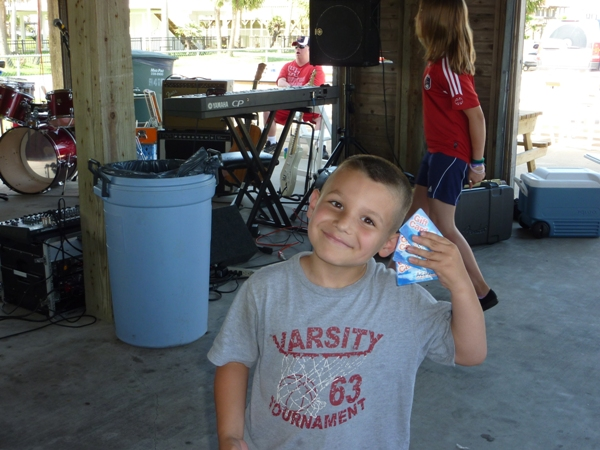 2010-fishing-tournament-party-1