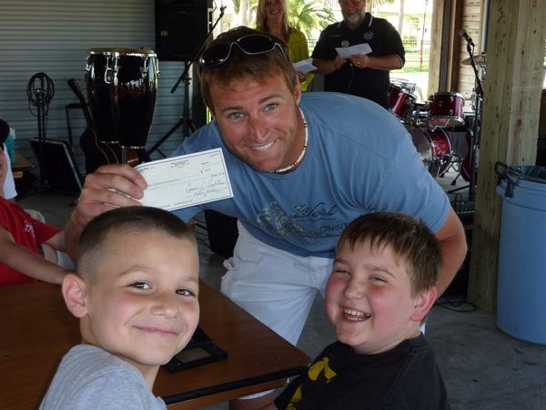 2010-fishing-tournament-party-3
